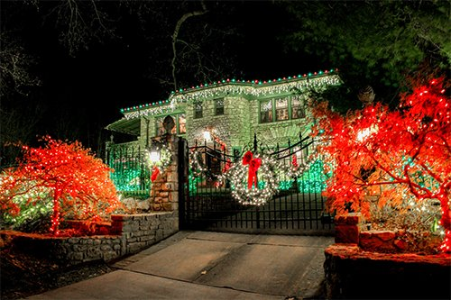 yardvarks family home holiday lighting